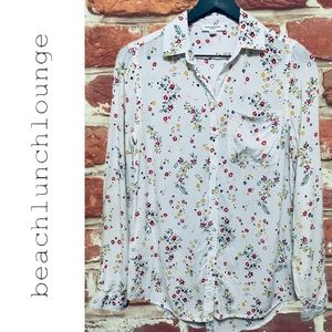 BEACHLUNCHLOUNGE WHITE FLORAL BUTTON DOWN BLOUSE